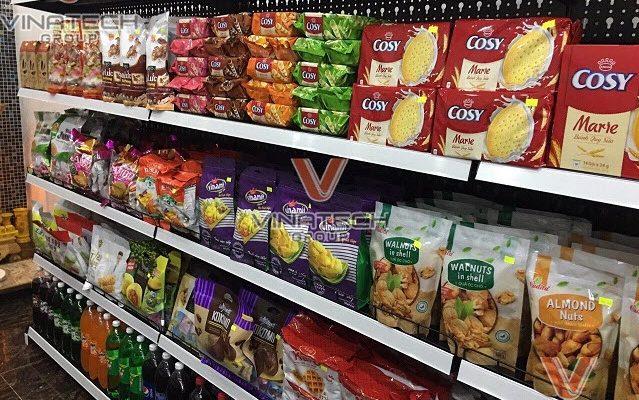 Trưng bày sản phẩm trong siêu thị như Vinmart