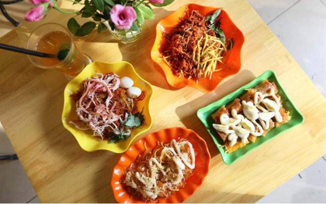 Bán đồ ăn vặt kết hợp kinh doanh Online